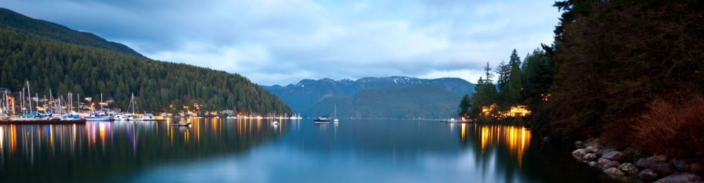 Deep Cove between mountain and ocean